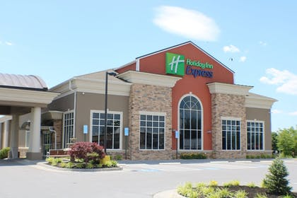 Featured Image | Holiday Inn Express Woodstock-Shenandoah Valley