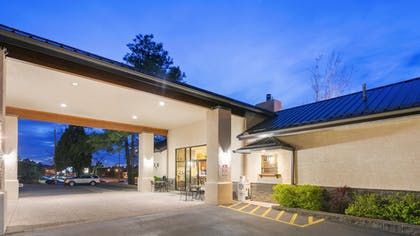 Hotel Front | Best Western Paint Pony Lodge