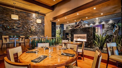 Restaurant | Best Western Plus Oswego Hotel and Conference Center