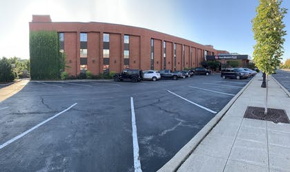 Parking | Best Western Plus Oswego Hotel and Conference Center