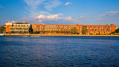 Exterior | Best Western Plus Oswego Hotel and Conference Center