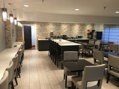 Breakfast Area | Best Western At O'Hare