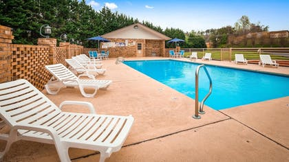 Pool | Best Western Bryson Inn