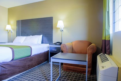 Living Area | Days Inn & Suites by Wyndham Athens Alabama