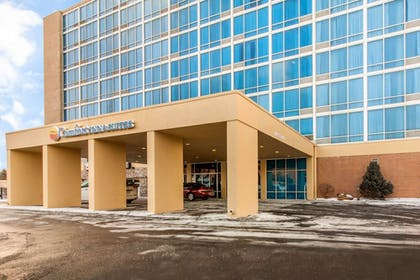 Featured Image   Comfort Inn & Suites Omaha Central