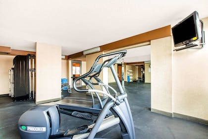 Fitness Facility   Comfort Inn & Suites Omaha Central