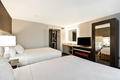 | 2 Room Suite - 2 Queen Beds | Embassy Suites by Hilton Charlotte