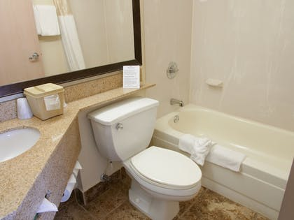 | Suite, 1 King Bed, Non Smoking, Hot Tub (One-Bedroom Suite) | Baymont by Wyndham Louisville East