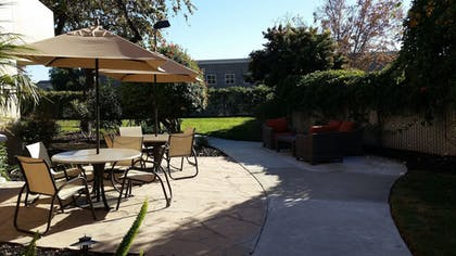 Terrace/Patio | Best Western Plus Garden Court Inn