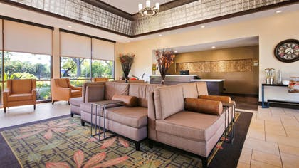 Lobby | Best Western Plus Garden Court Inn