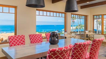 Hotel Bar | Best Western Plus Beach View Lodge