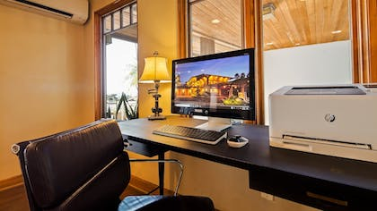 Business Center | Best Western Plus Beach View Lodge