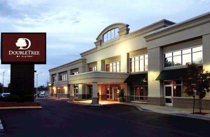 Exterior | DoubleTree by Hilton Hotel Denver - Stapleton North