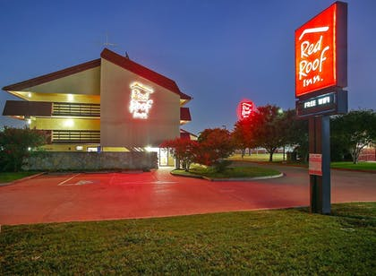 Exterior   Red Roof Inn Dallas - DFW Airport North