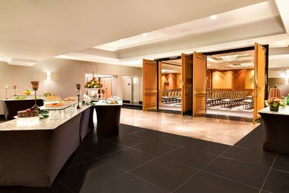 Meeting Facility | DoubleTree by Hilton Hotel Toronto Downtown