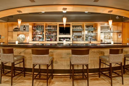 Hotel Bar | DoubleTree by Hilton Hotel Toronto Downtown