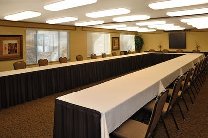 Meeting Facility | Oxford Suites Chico