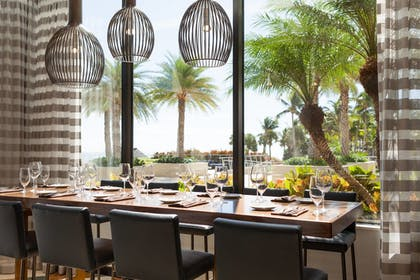 Restaurant | Fort Lauderdale Marriott Harbor Beach Resort & Spa