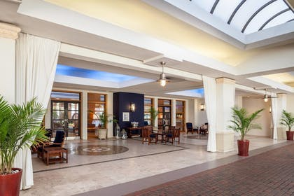 Lobby | Fort Lauderdale Marriott Harbor Beach Resort & Spa