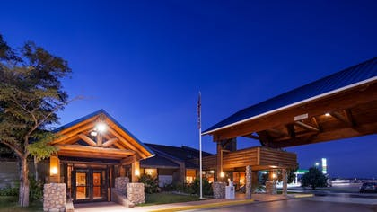 Featured Image | Best Western Tower West Lodge