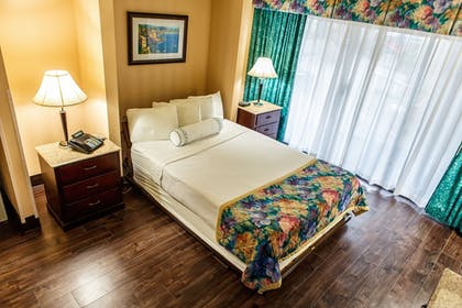 Guestroom | Princess Royale Hotel & Conference Center