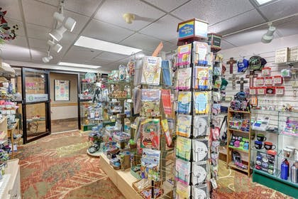 Gift Shop | Best Western Music Capital Inn