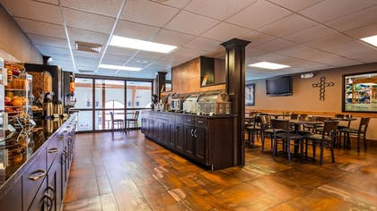 Breakfast Area | Best Western Music Capital Inn