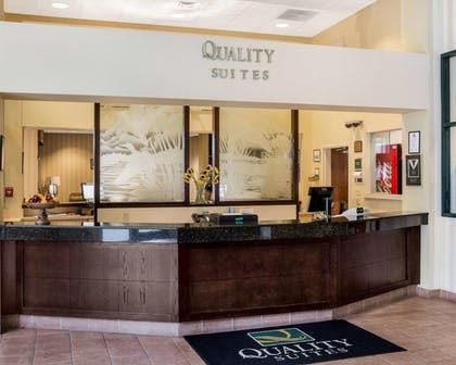 Lobby | Quality Suites Lake Wright - Norfolk Airport