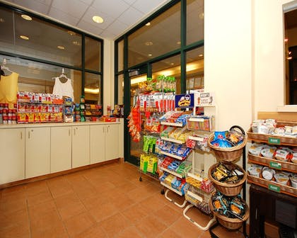 Gift Shop | Quality Suites Lake Wright - Norfolk Airport