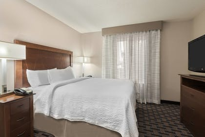 Guestroom | Residence Inn by Marriott Charlotte University Research Park