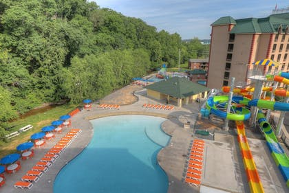 Pool | Country Cascades Waterpark Resort