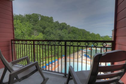 Balcony | Country Cascades Waterpark Resort