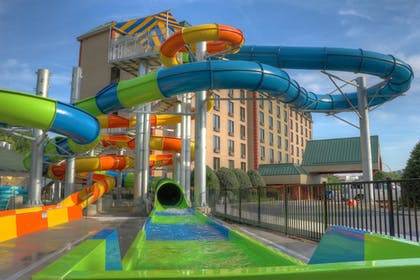 Featured Image | Country Cascades Waterpark Resort
