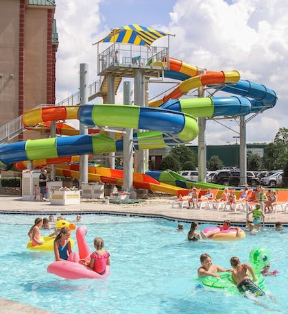 Outdoor Pool   Country Cascades Waterpark Resort