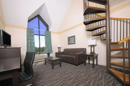 Living Room | Country Cascades Waterpark Resort