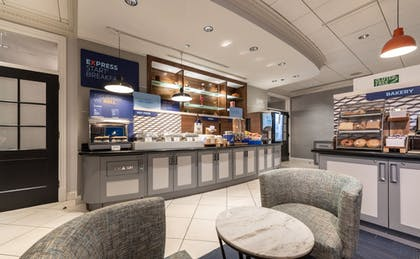 Restaurant | Holiday Inn Express Chicago-Magnificent Mile