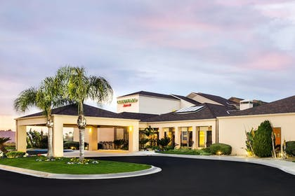Featured Image   Courtyard by Marriott Fresno
