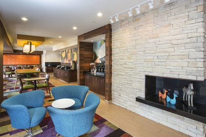 Lobby | Fairfield Inn & Suites Greeley