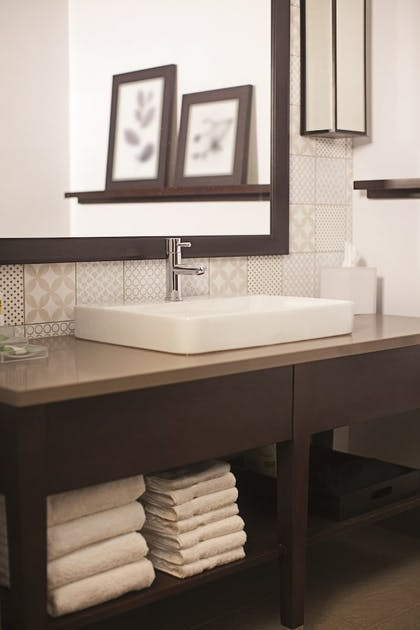 Bathroom Sink | Holiday Inn El Paso West - Sunland Park