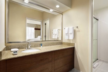 Guestroom | Four Points by Sheraton Raleigh North
