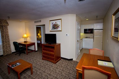Living Area | Suburban Extended Stay Hotel