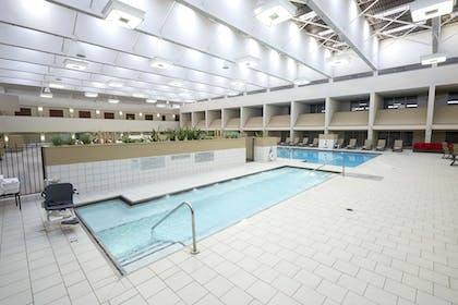 Indoor Spa Tub | Doubletree by Hilton Bloomington - Minneapolis South