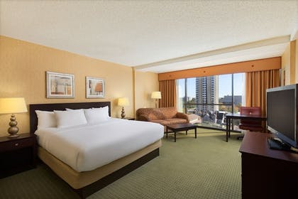 Guestroom | University Plaza Hotel and Convention Center Springfield
