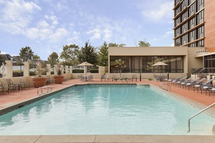 Outdoor Pool | University Plaza Hotel and Convention Center Springfield