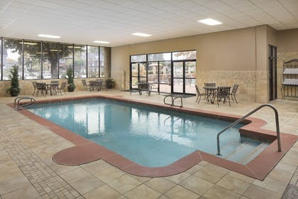 Indoor Pool | University Plaza Hotel and Convention Center Springfield