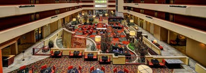 Lobby | University Plaza Hotel and Convention Center Springfield