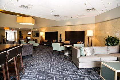 Lobby Lounge | DoubleTree by Hilton Hotel Minneapolis - Park Place