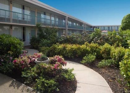 Exterior   Quality Inn & Suites Conference Center