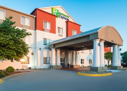 Featured Image | Holiday Inn Express Hotel & Suites Burlington