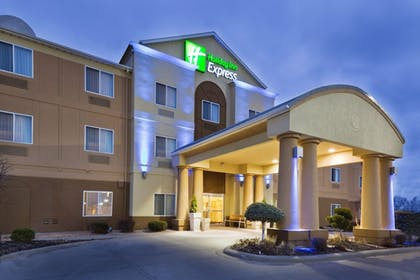 Exterior | Holiday Inn Express Hotel & Suites Burlington